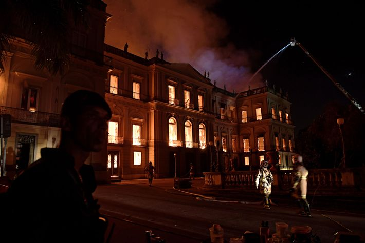 A massive fire engulfs Brazil's National Museum in Rio de Janeiro on September 2, 2018.