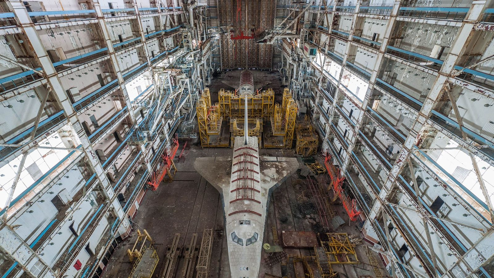 01-buran-russian-space-shuttle