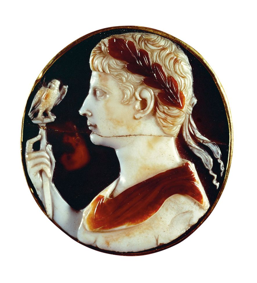 Part of the Cross of Lothair, a cameo depicts Octavian after he became emperor of Rome. Circa A.D. 1000, Aachen Cathedral Treasury
