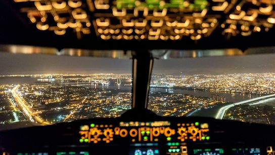 """""""I'm sitting in the observer's seat of an A319, enjoying a smooth colorful approach into Guayaquil ..."""