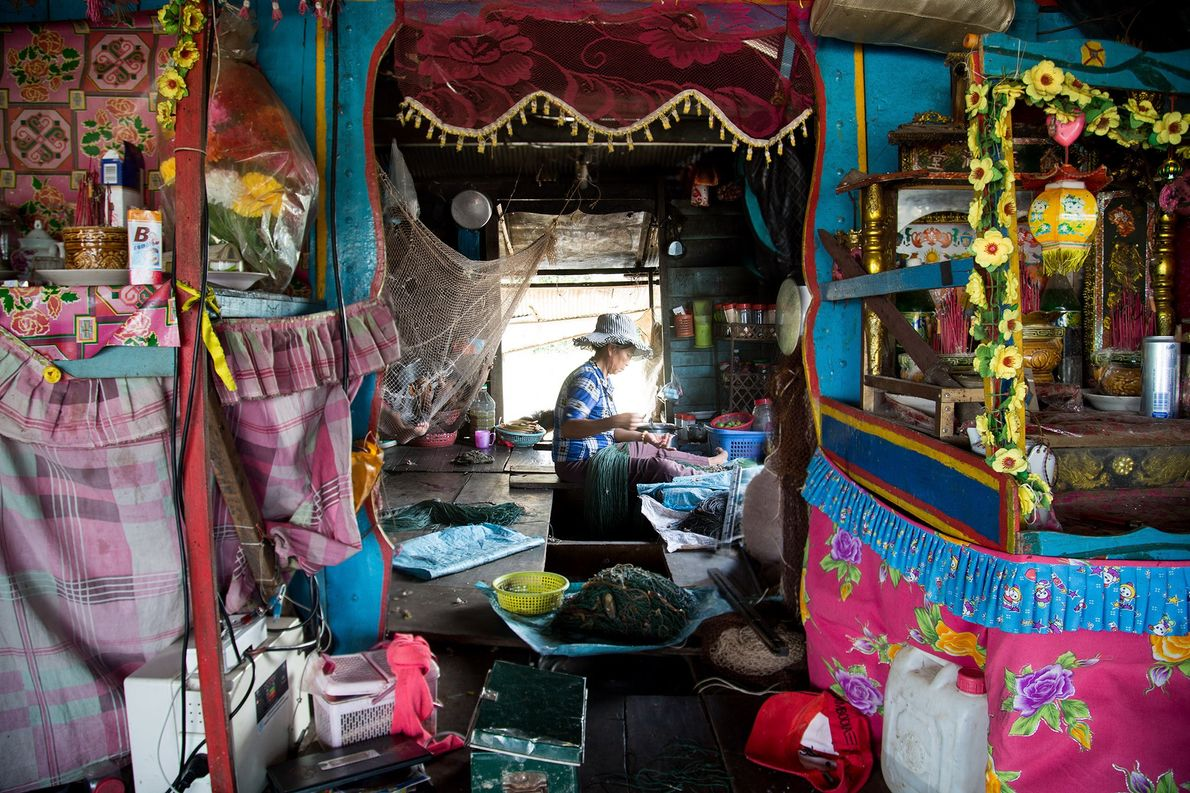 Immigrants Find Homes in Colourful, Floating Villages