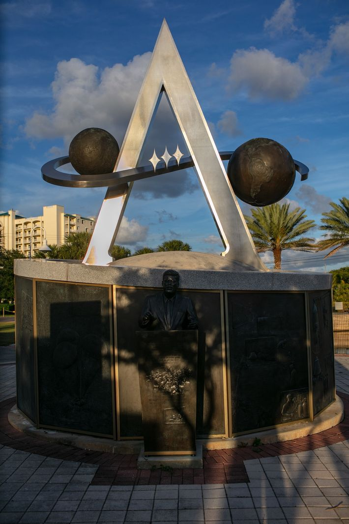 The Apollo Monument is part of the U.S. Space Walk of Fame located in Space View ...