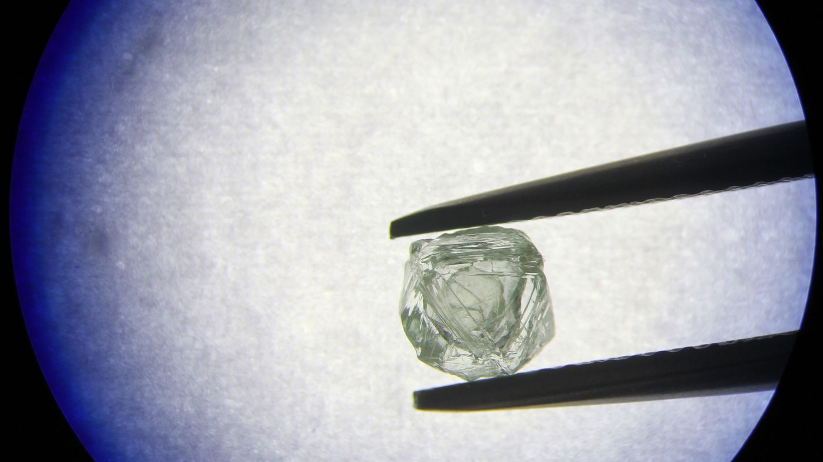In a first, a newfound diamond freely rattles inside the belly of a bigger diamond. Scientists ...