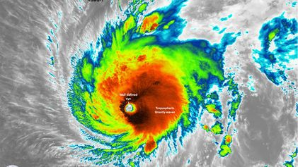 Hawaii Battens the Hatches for Hurricane Lane