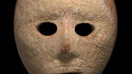 9,000-year-old mask stuns archaeologists, raises eyebrows