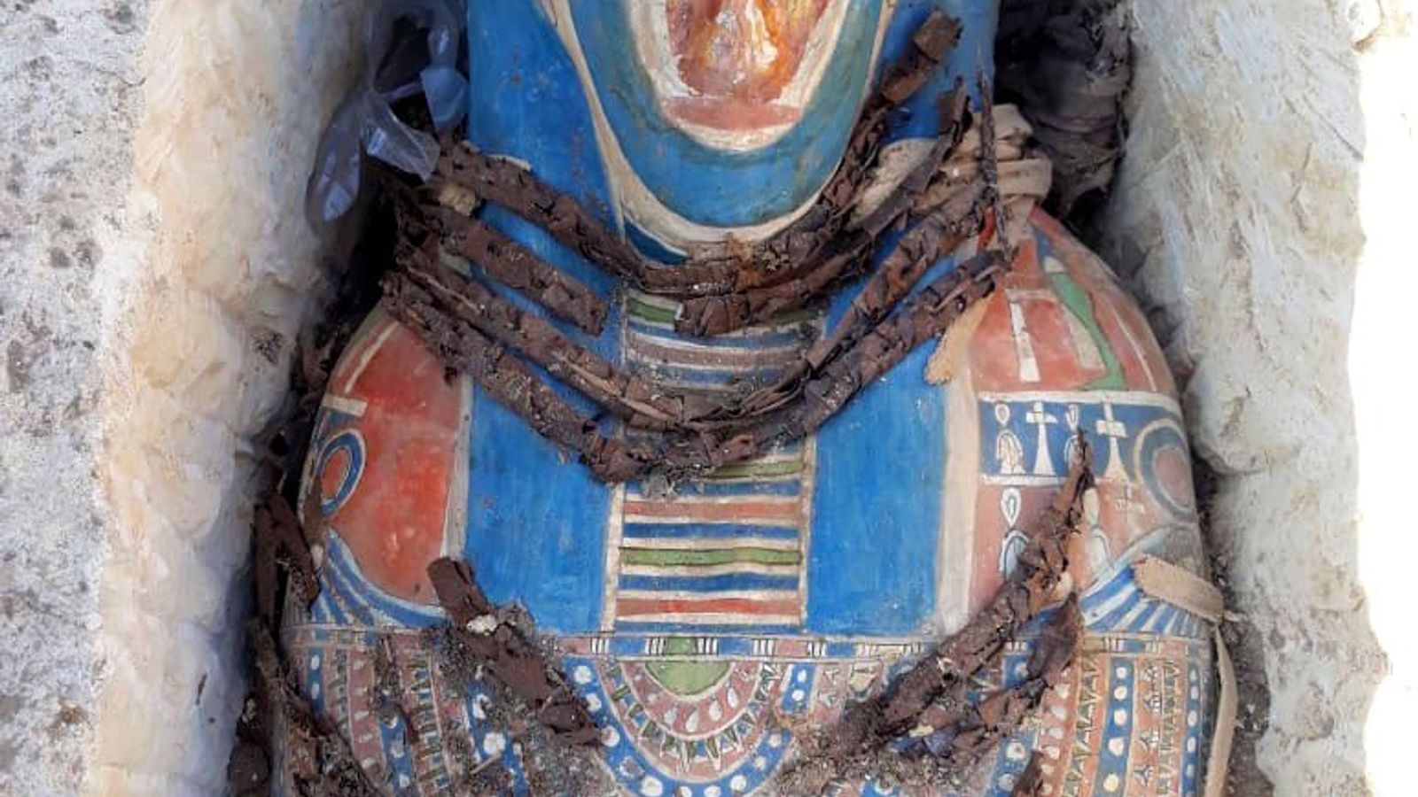 The recent discovery has revealed colourful mummies with decorations that have survived 2,500 years.