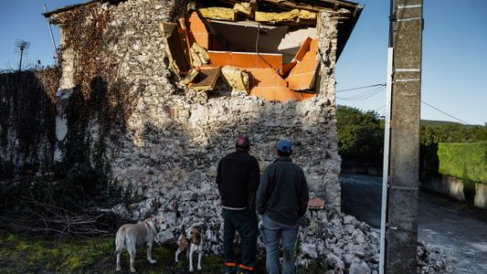 Weird earthquake just put a crack in France