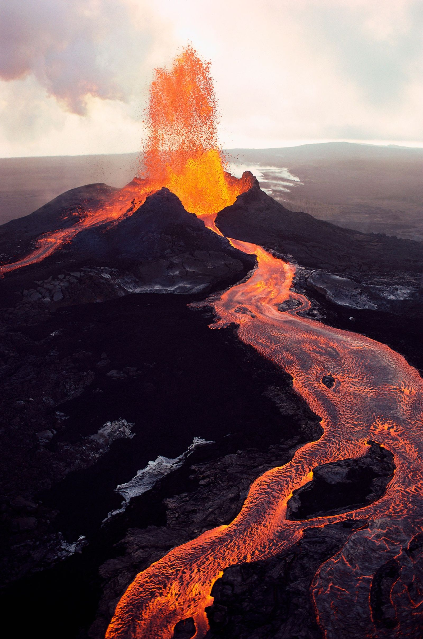 Can earthquakes trigger volcano eruptions? Here's the science.