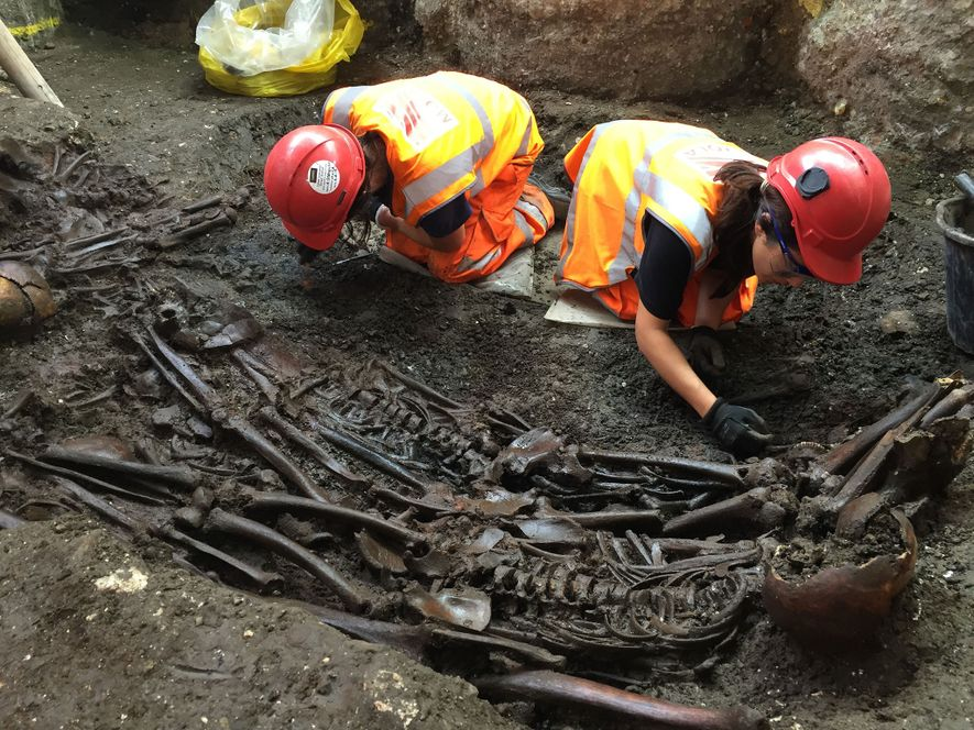DNA in London Grave May Help Solve Mysteries of the Great Plague
