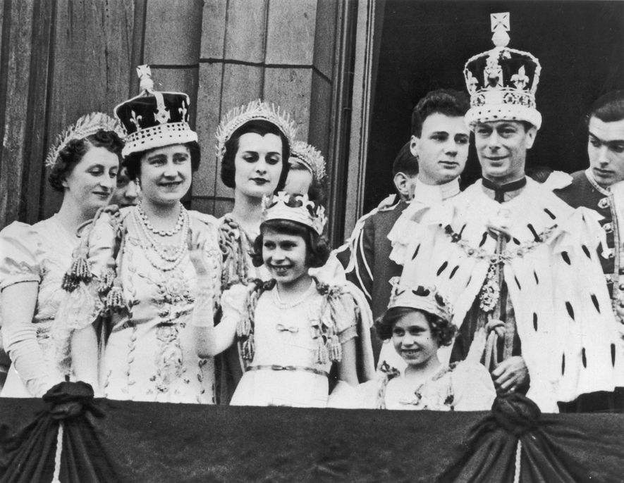 12th September 1937:the royal family on the balcony at Buckingham Palace after the coronation of King ...