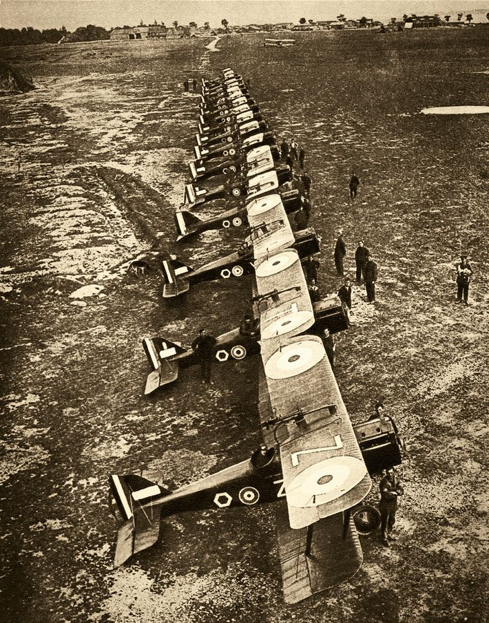 A bombing squadron at Saint-Omer, France, readies for take-off in 1918.