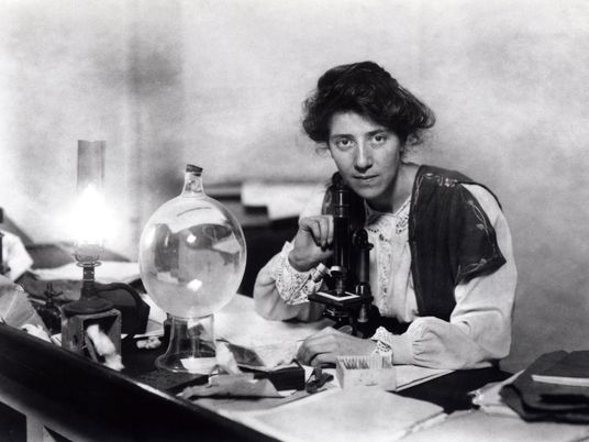 How World War I Gave Britain's Women Scientists a Chance to Shine