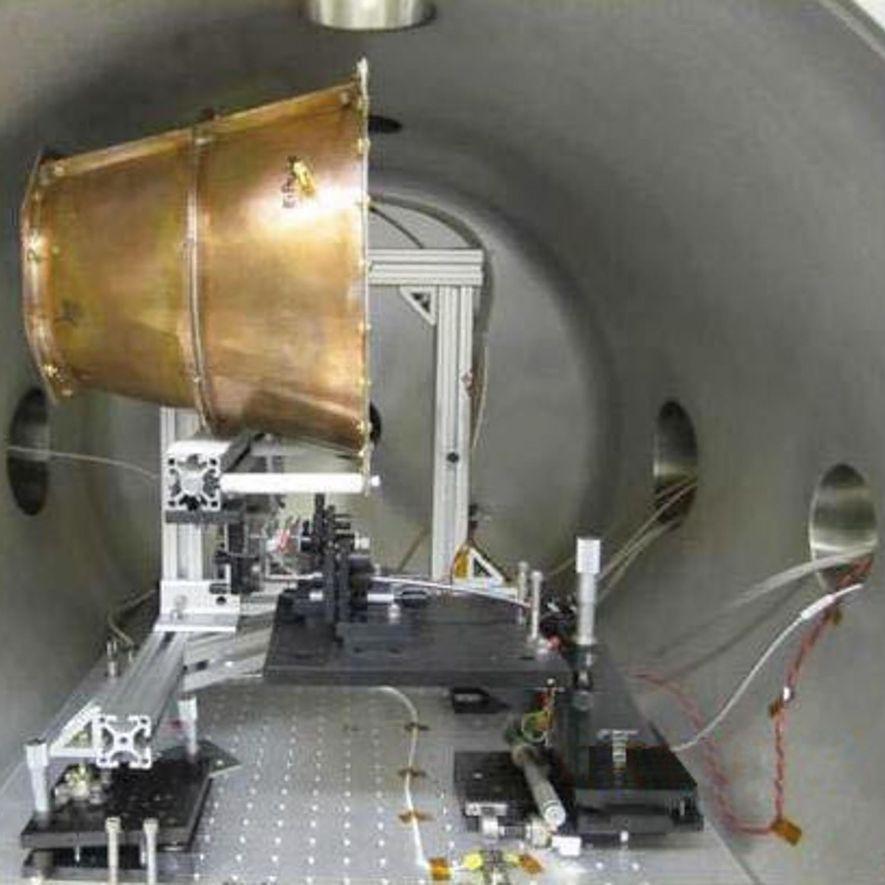The NASA Eagleworks EmDrive sits inside a test chamber.