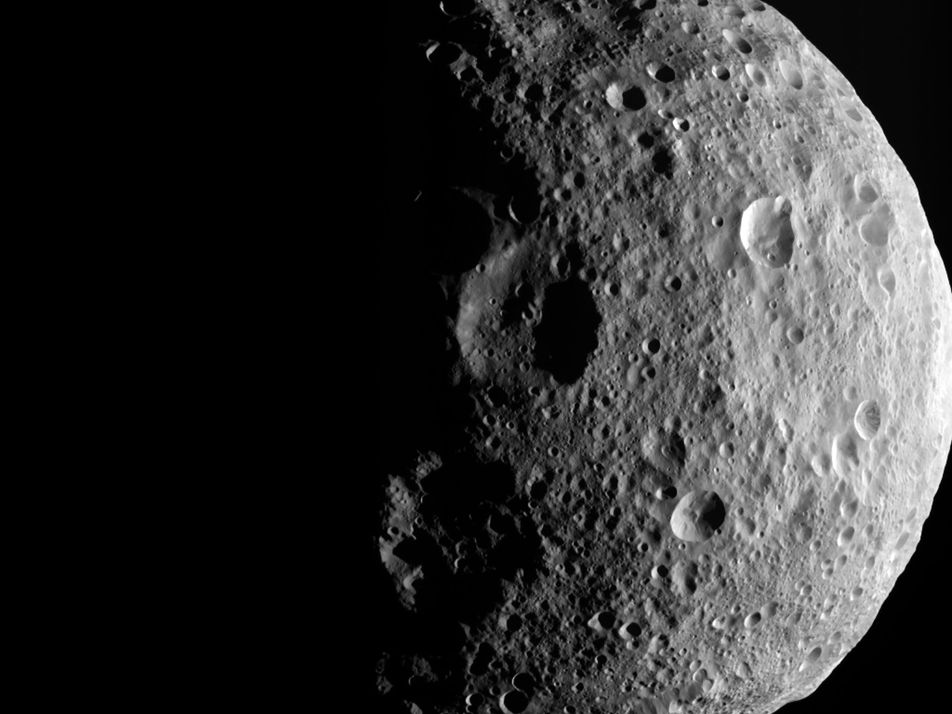 Naked-Eye Asteroid and More Can't-Miss Sky Events in June