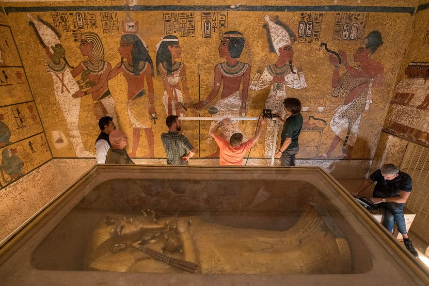 Technicians use state-of-the-art equipment to scan a wall in King Tut's burial chamber.
