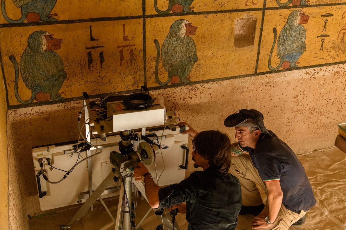 Technicians position a radar antenna beside the west wall of Tut's tomb. If a hidden chamber ...
