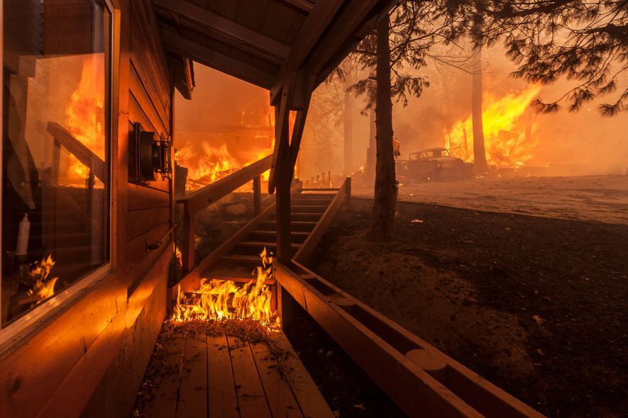 Here's What It's Like To Be Inside a Wildfire
