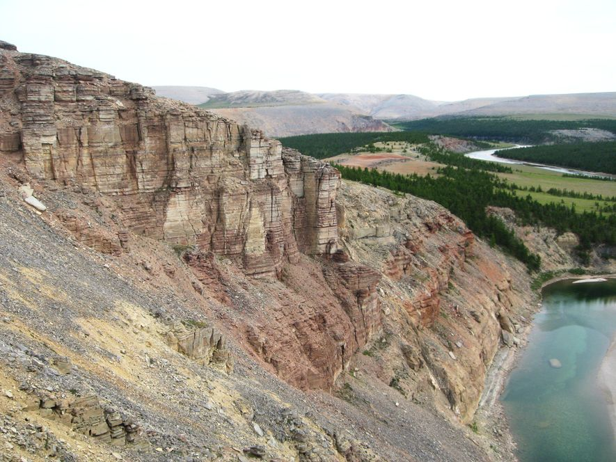 Scientists collected rock samples from the cliffs of the so-called Khorbusuonka section in Siberia. Iron-rich minerals ...