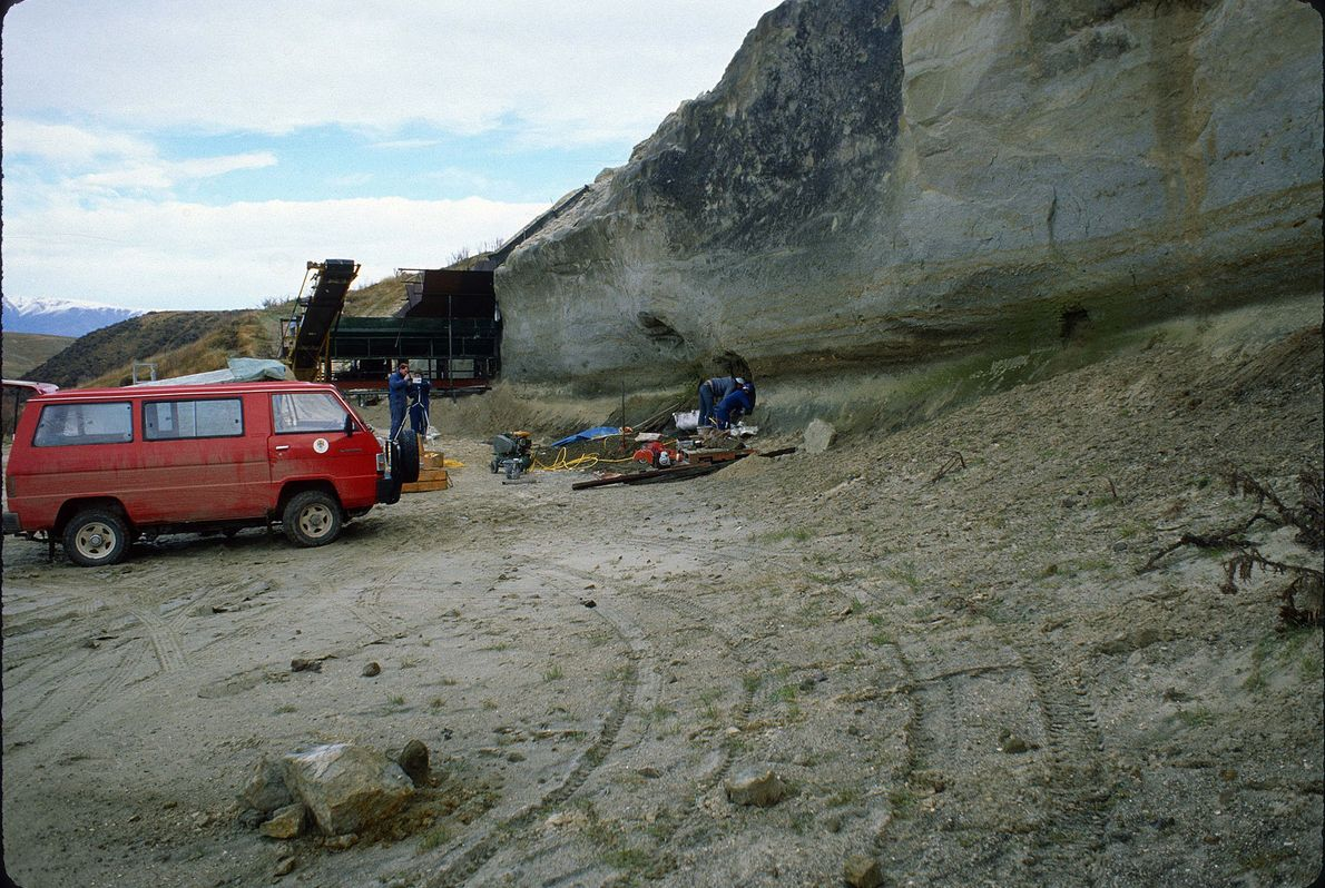 Workers get ready to recover the Toipahautea waitaki fossil at the Hakataramea Quarry during fieldwork supported …