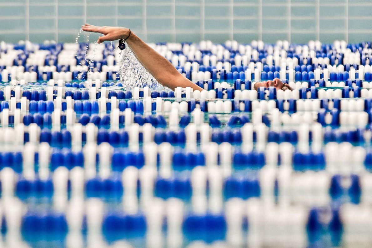 Your Shot photographer Alahattin Kanlıoğlu took this image of a swimmer while at the Izmir Aegean ...
