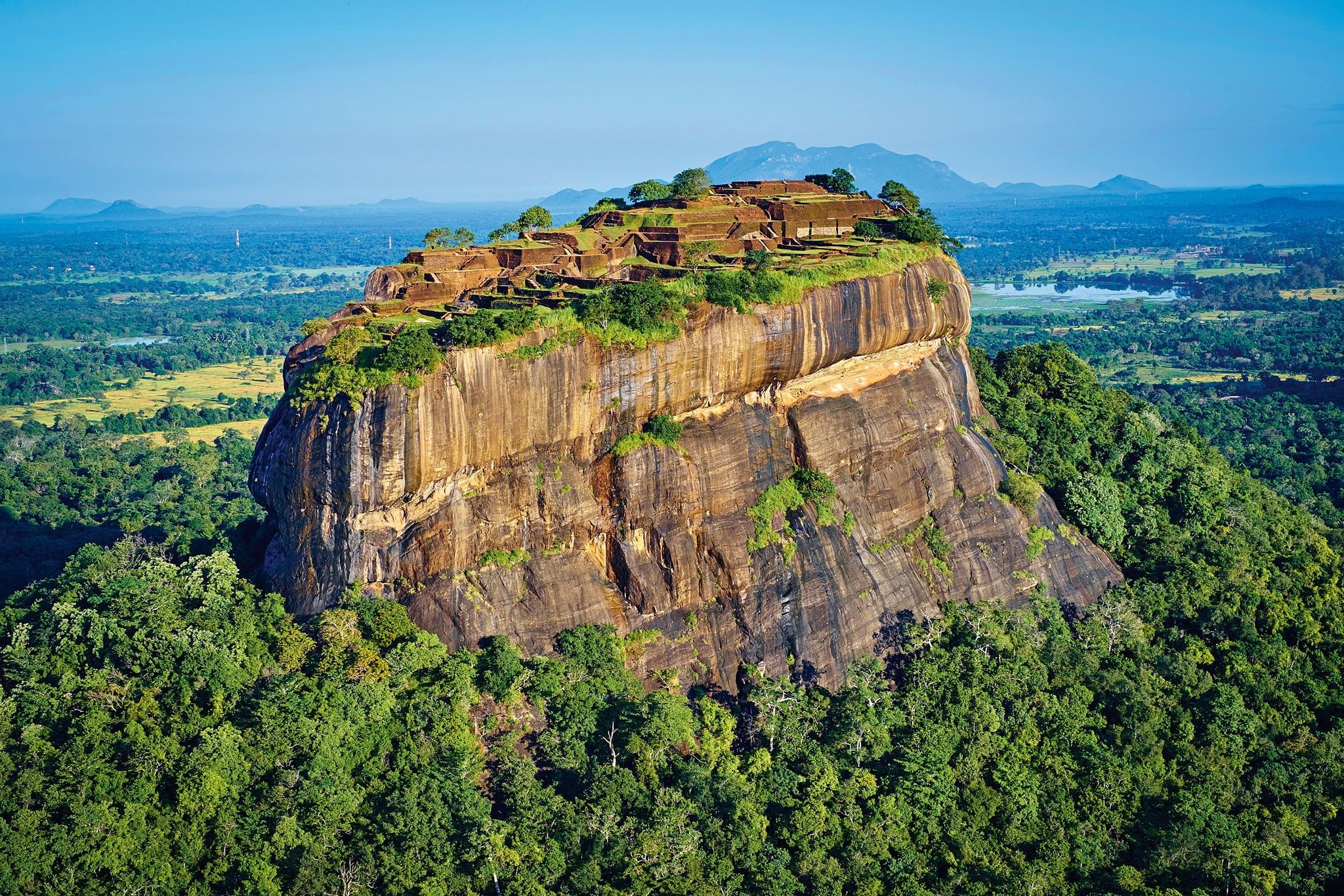 The 'Lion Fortress' of Sri Lanka was swallowed by the jungle | National Geographic