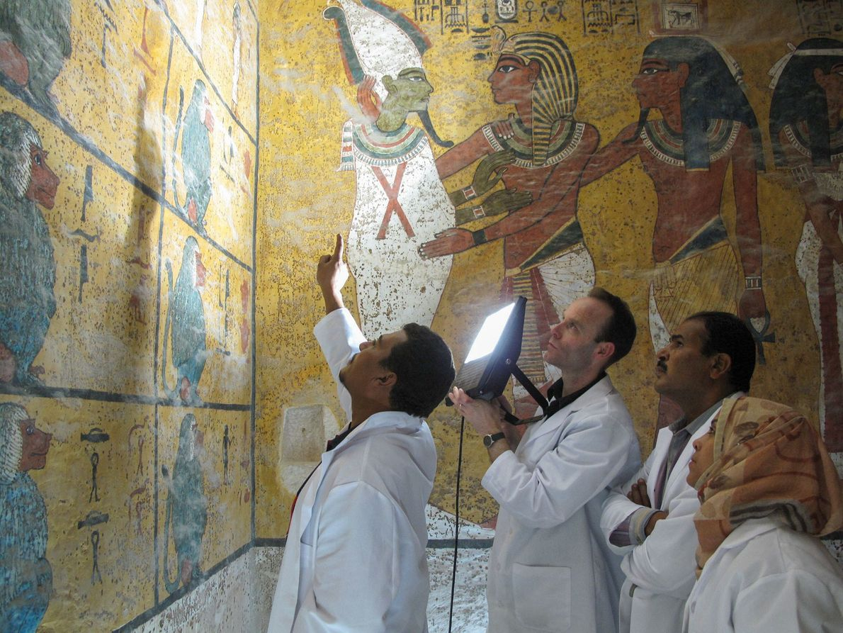New 'curses' emerge from Tut's history-making tomb study