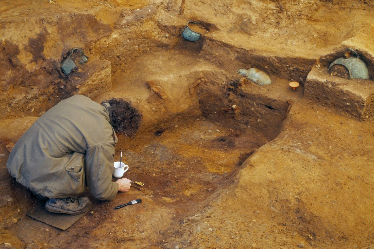 Archaeologist excavating the Prittlewell princely burial (c) MOLA