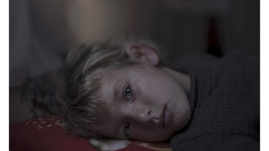 Haunting Photos Show Where Refugee Children Sleep