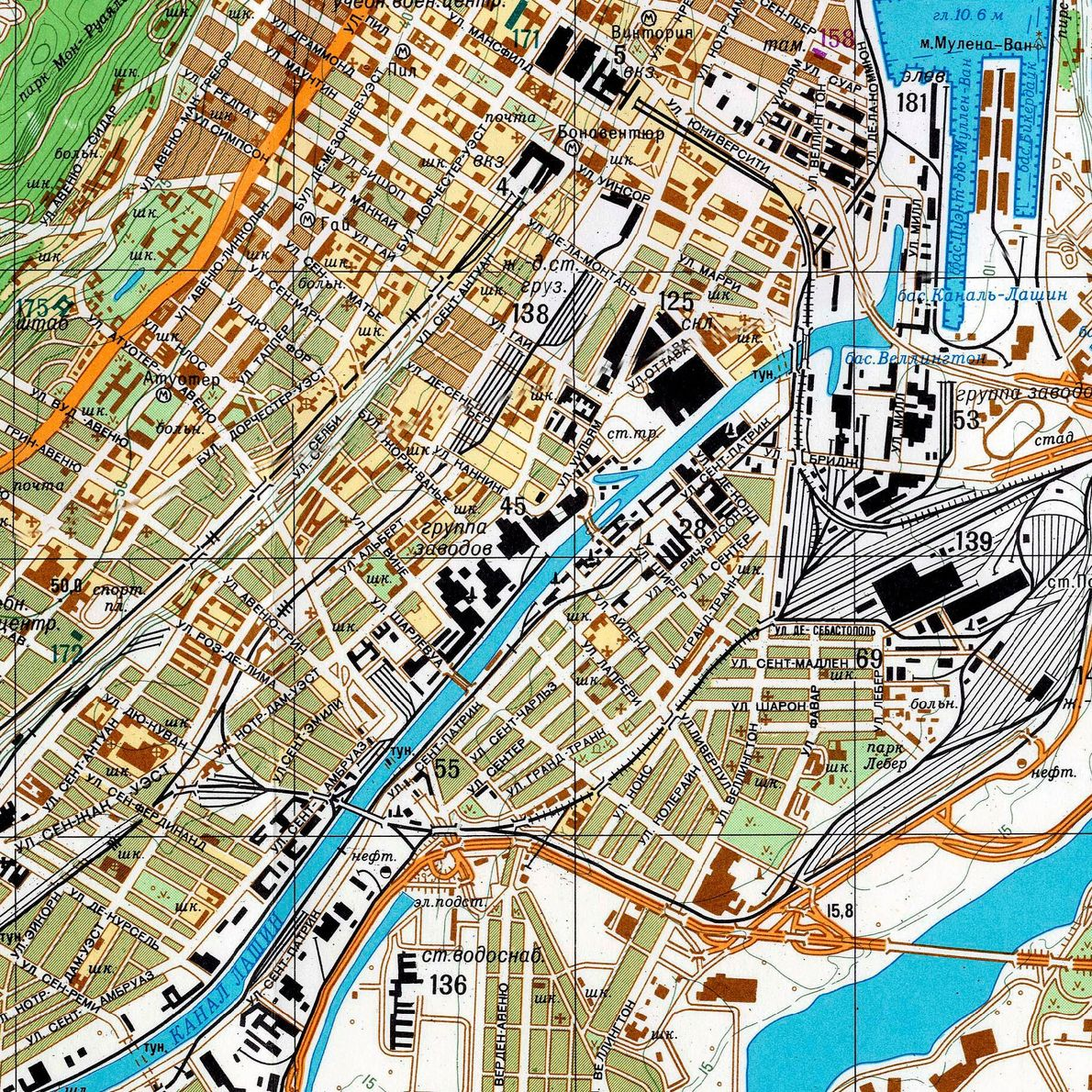 Montreal is shown in greater detail on this large-scale Soviet map printed in 1986.