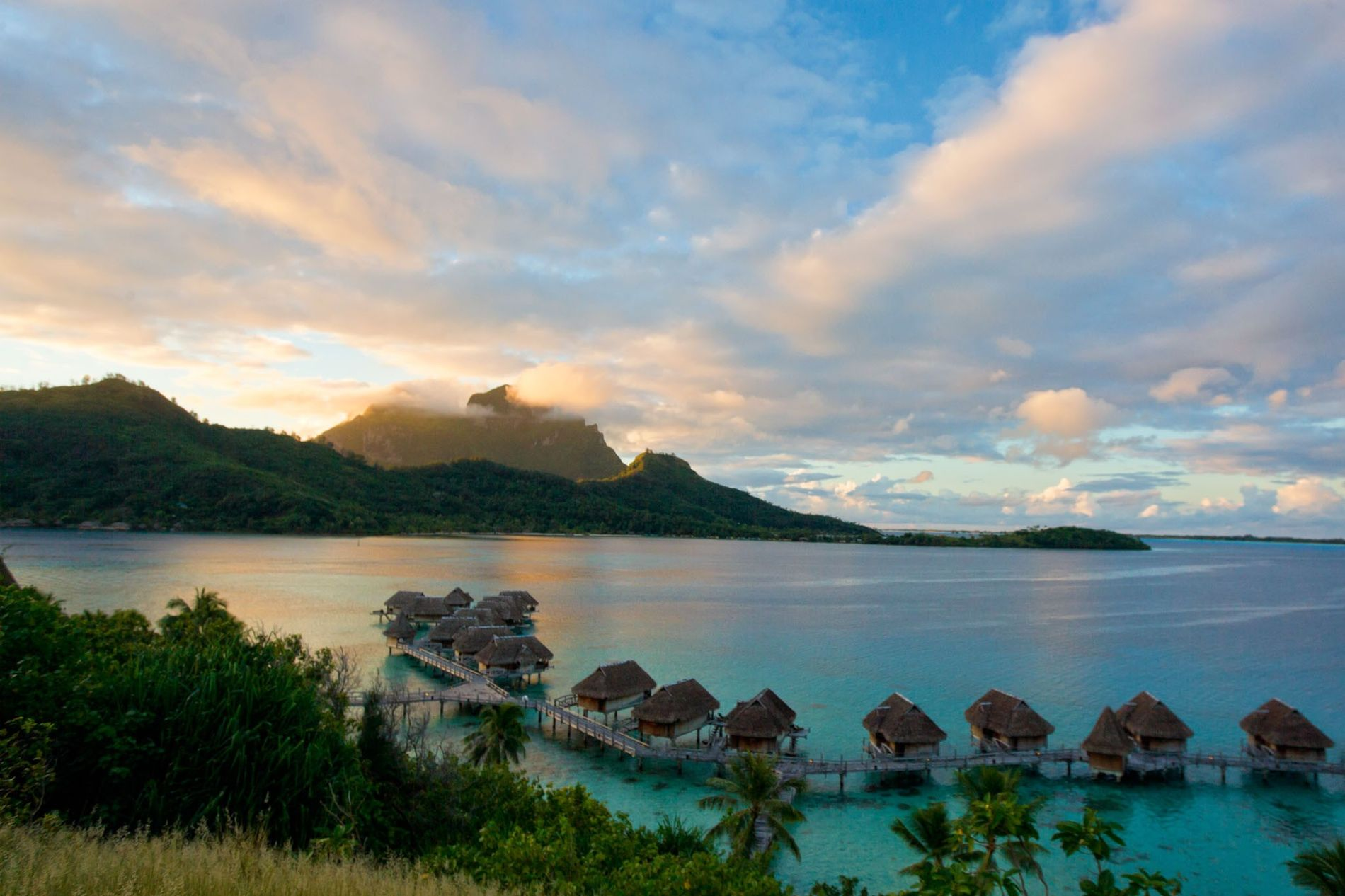 Like visitors today, the sailors on the HMS Bounty found Tahiti to be a paradise. But the arrival of Europeans was devastating to Tahitian culture.