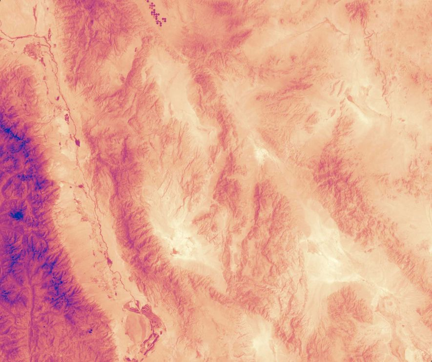 Many of the hottest temperatures on Earth have been recorded in Death Valley, California. This map ...