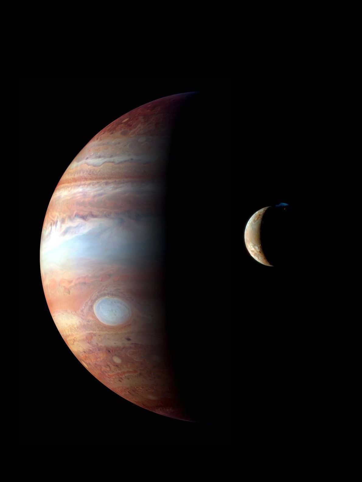 In February 2007, New Horizons passed Jupiter and its volcanically active moon Io. In this montage, ...