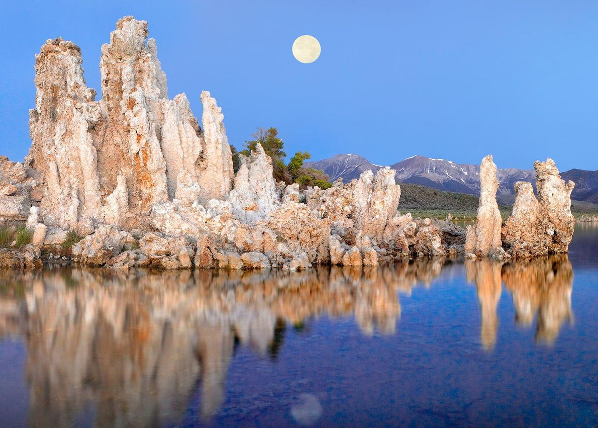California's Mono Lake is an earthly stand-in for the Mars of four billion years ago, when ...