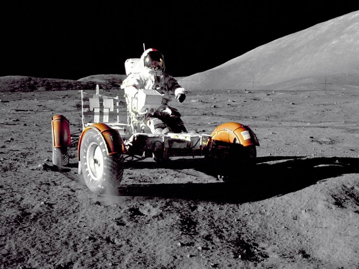 8 Images from the Apollo generation