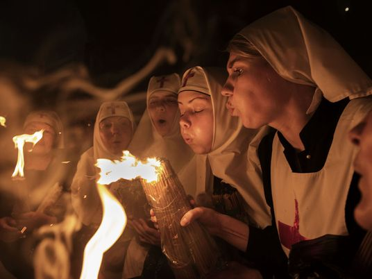 See Powerful Images of Pilgrims Celebrating Easter in Jerusalem