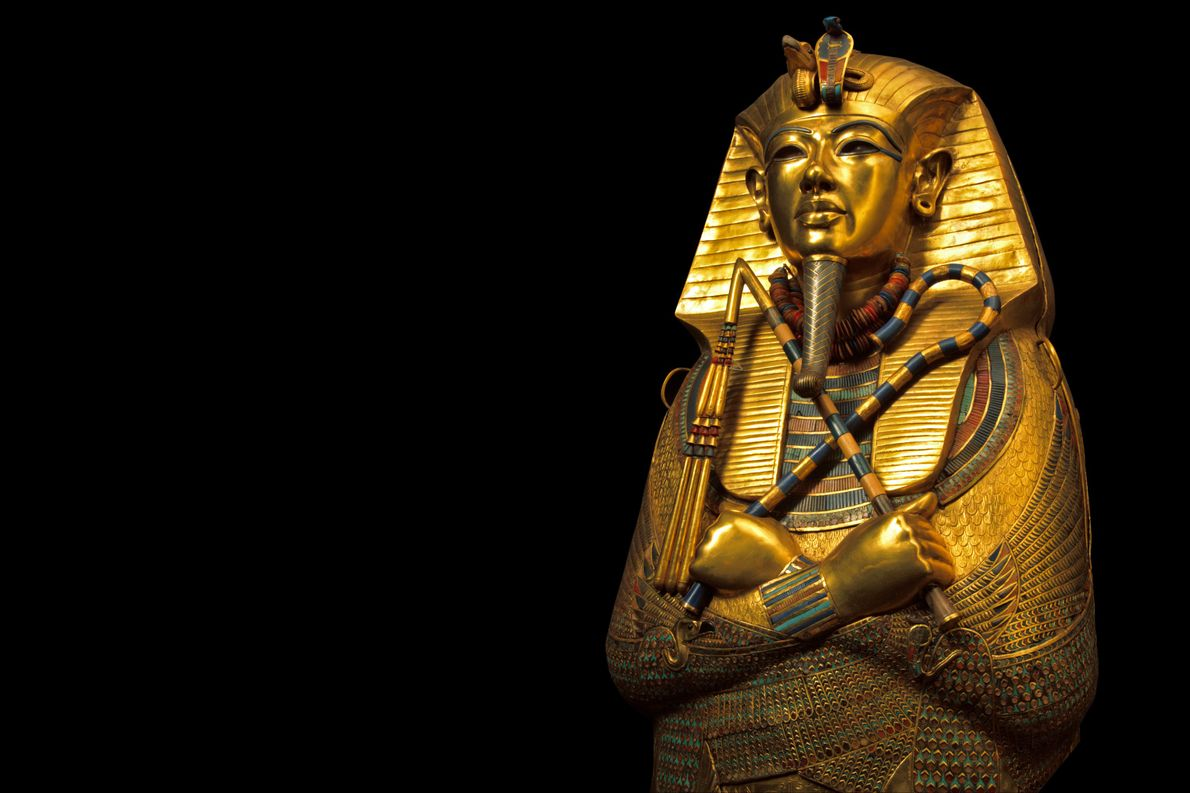 A coffin of solid gold held King Tut's mummified remains.