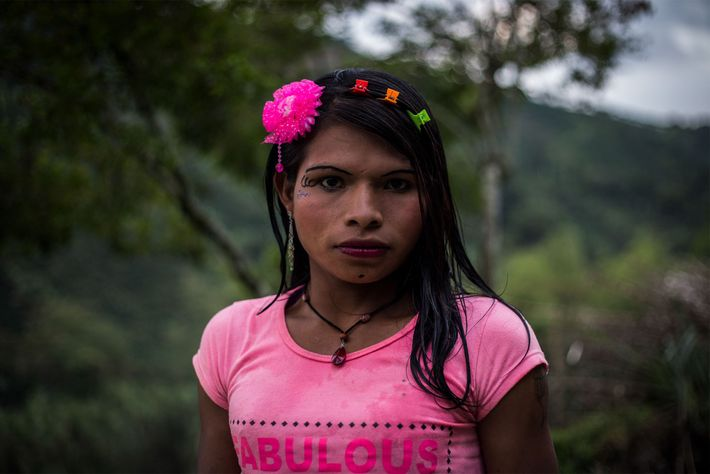 Yuliana belongs to the ethnic group Emberá Katio and comes from the eastern Pacific region of ...