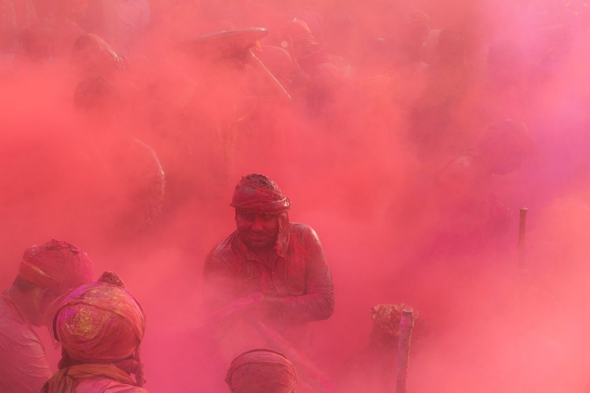 A smiling face or two suddenly appearing from behind the colour-mist is a common sight. Sometimes ...