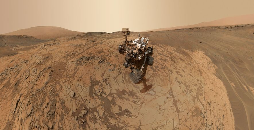 Mars Pictures: Curiosity Rover's Amazing Journey in Pictures