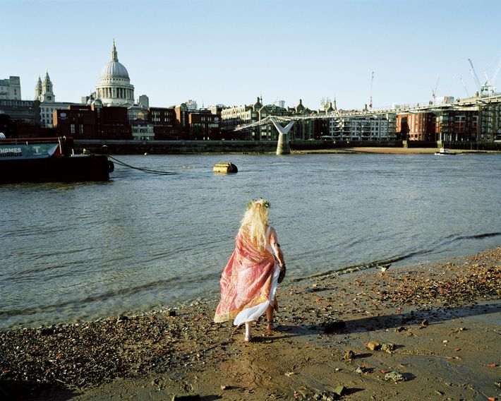 Southwark, London: A full-moon ritual to celebrate the birth of goddess Isis, conducted in front of the Tate ...