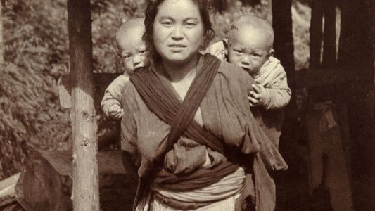 Vintage Photos of Motherly Love Around the World