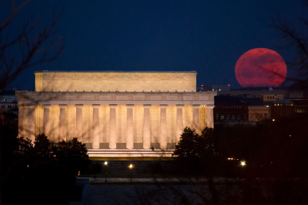 A supermoon rises near the Lincoln Memorial in Washington, D.C., on March 19, 2011.