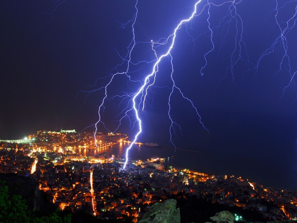 Lightning strikes Kavala, Greece. The ancient Greek god Zeus was said to  control lightning, but ...