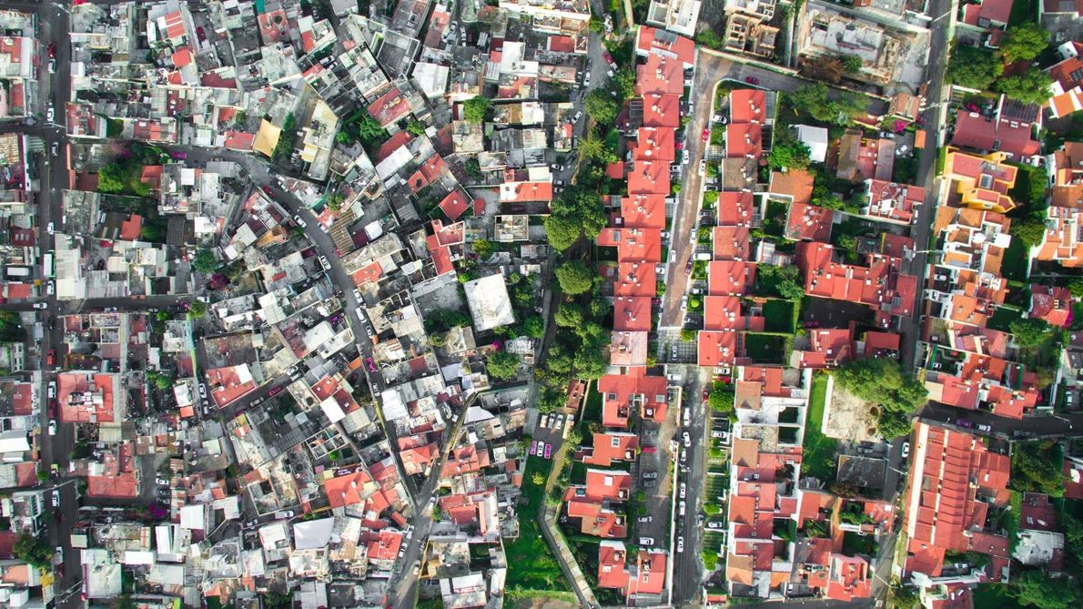The La Malinche neighbourhood borders a more affluent community in Mexico City.