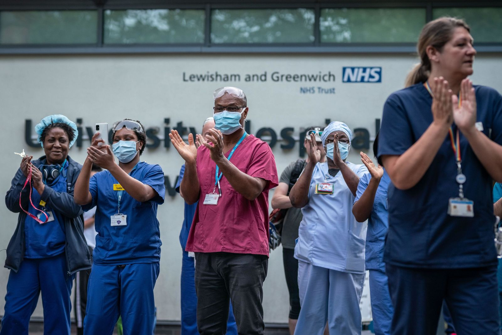 Should there be a medal for the UK's coronavirus heroes?