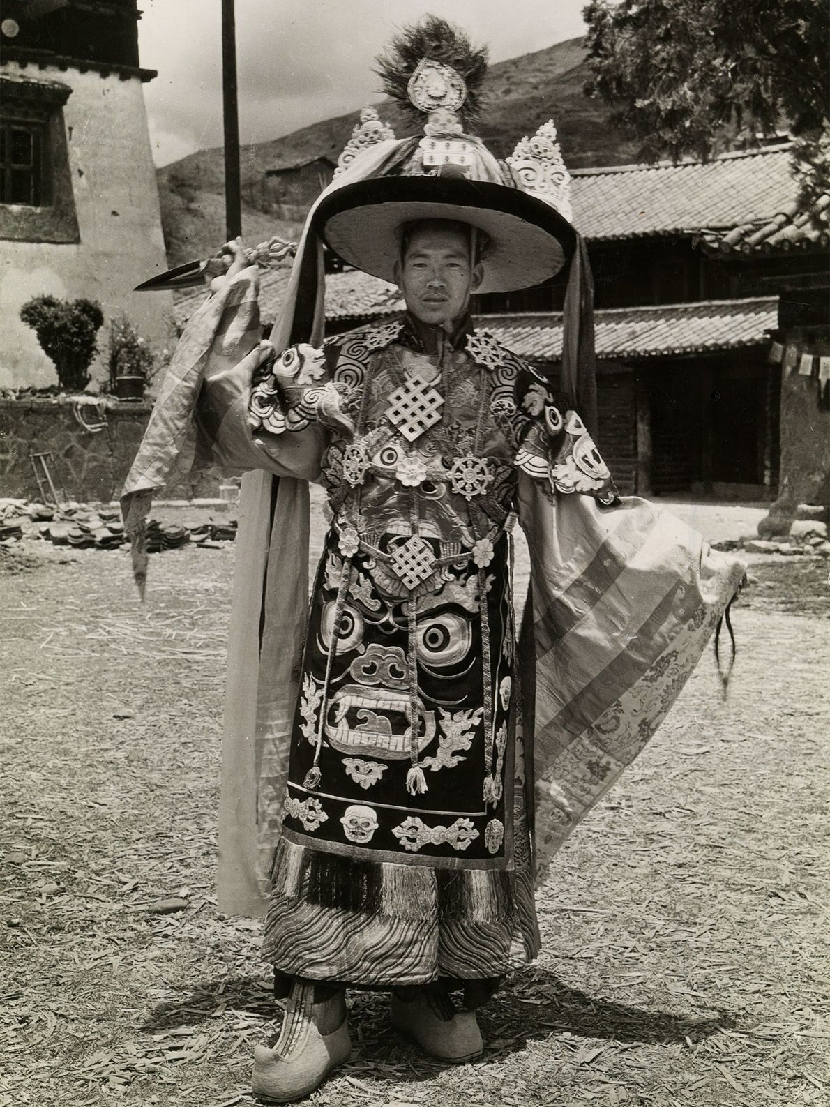 The principal dancer who performed the Dance of the Black Hat in the 1920s at China's ...