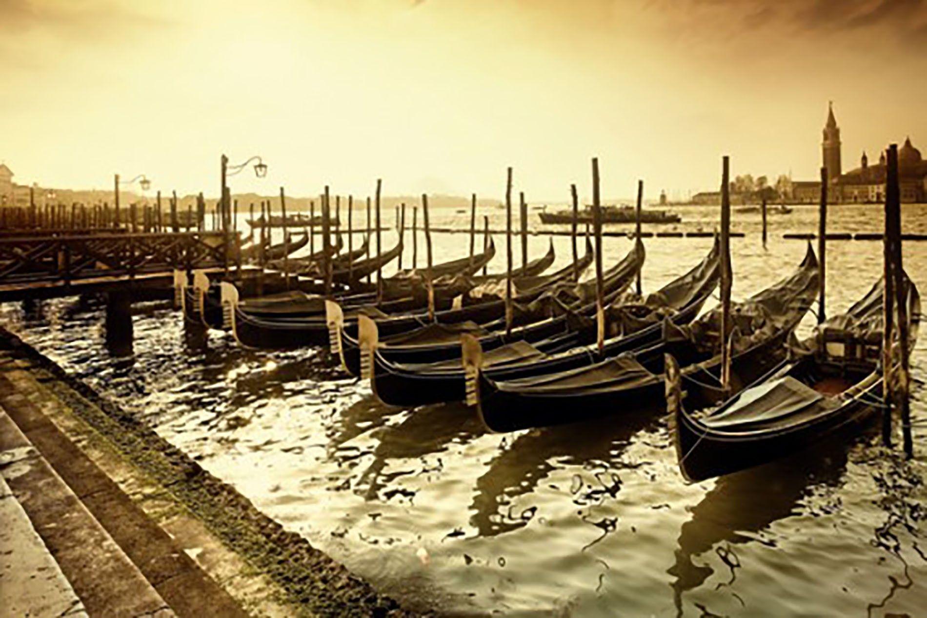 Venice: Faded grandeur