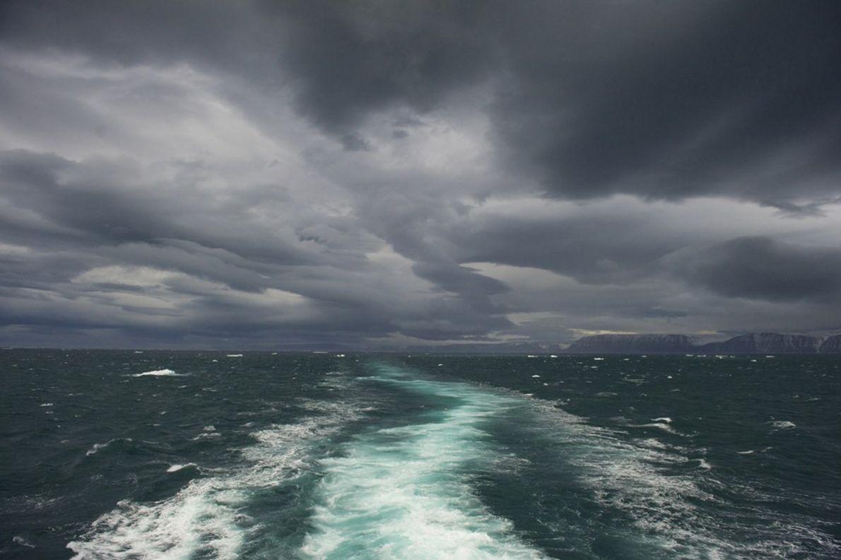 Stormy Seas, Norway