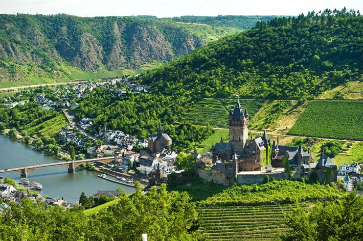Cochem lies in the Moselle valley and is replete with picturesque half-timbered houses, overlooked by the Reichsburg ...