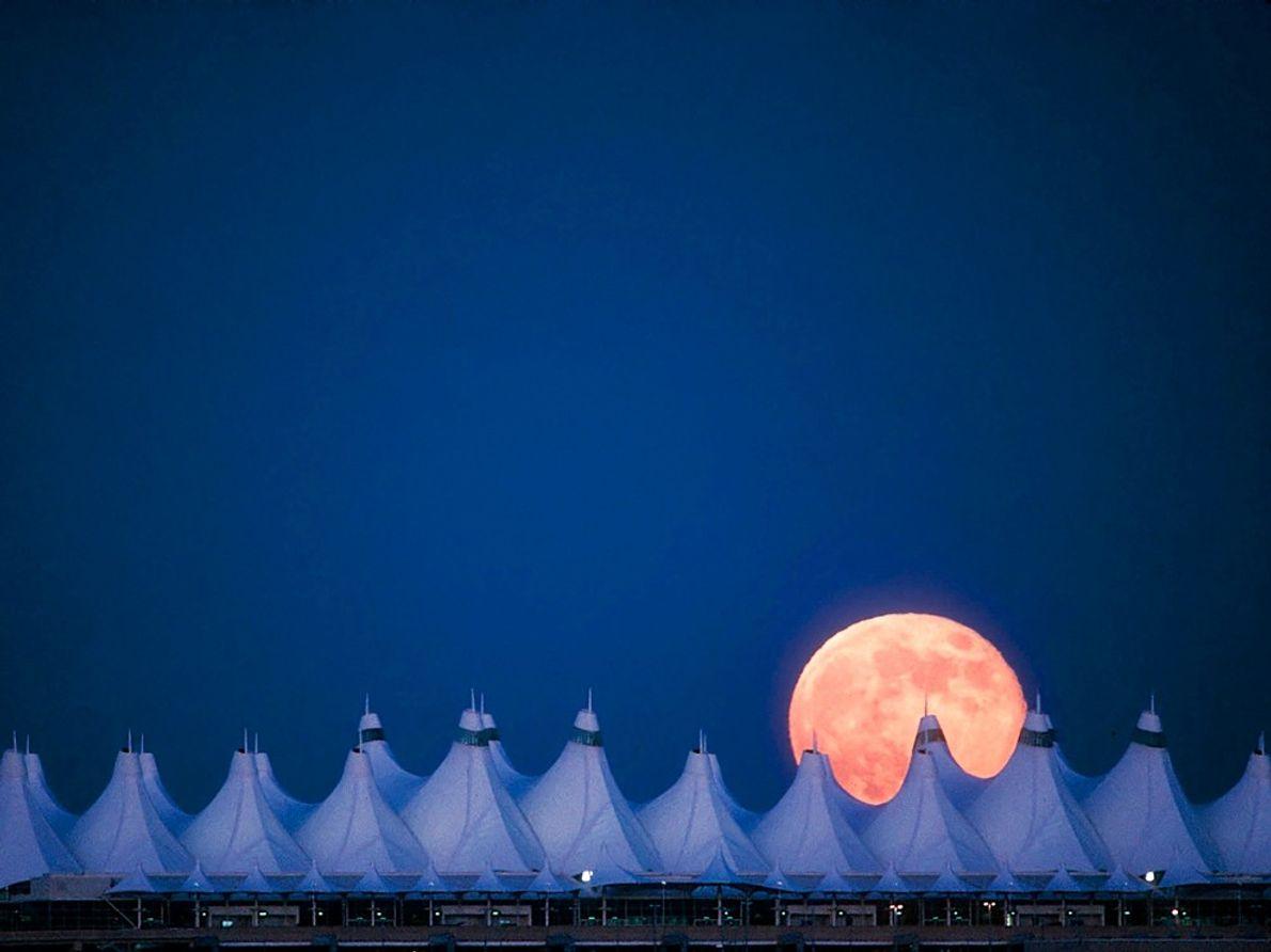 Full Moon, Denver